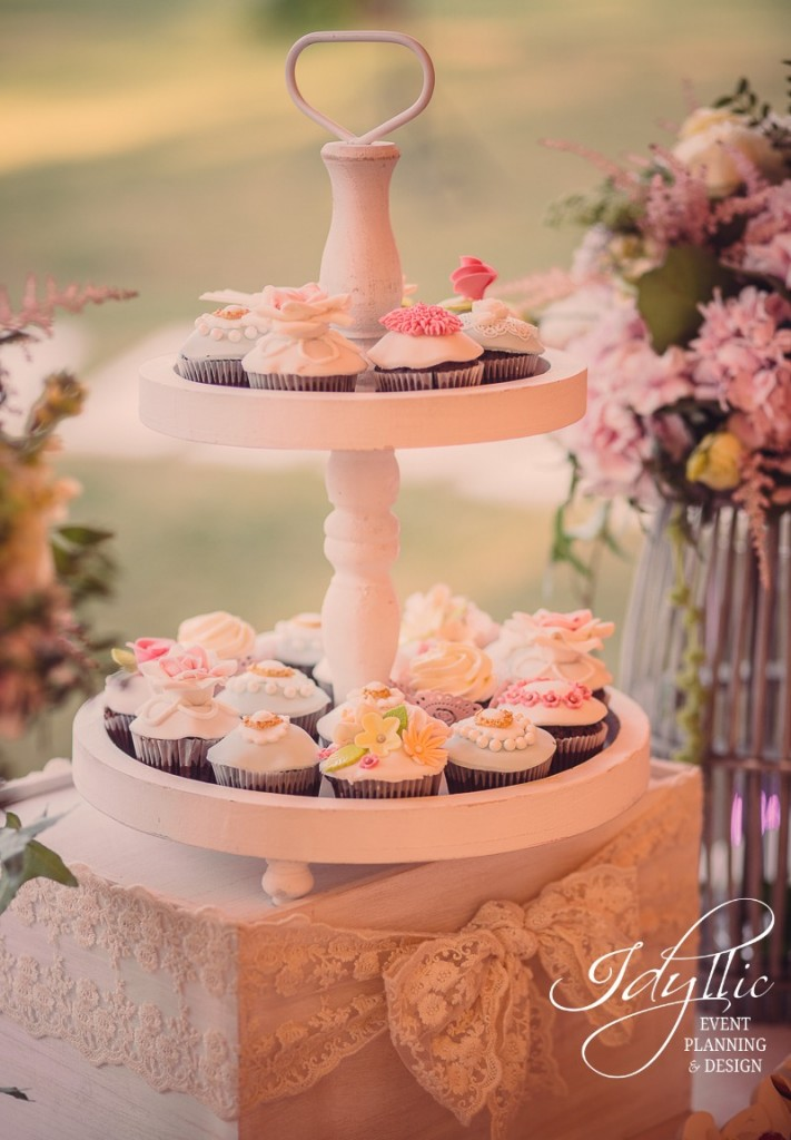 candy bar cupcakes decorate