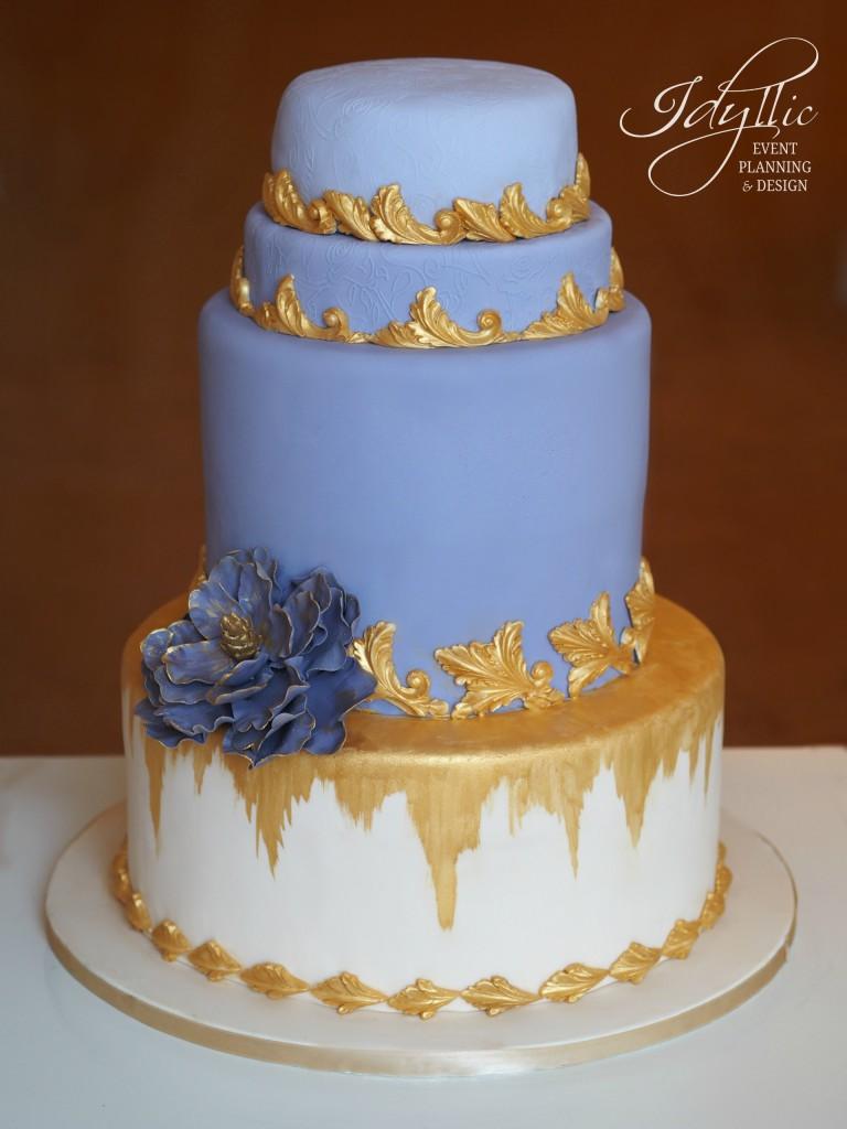 tort nunta auriu si lila by Idyllic Events