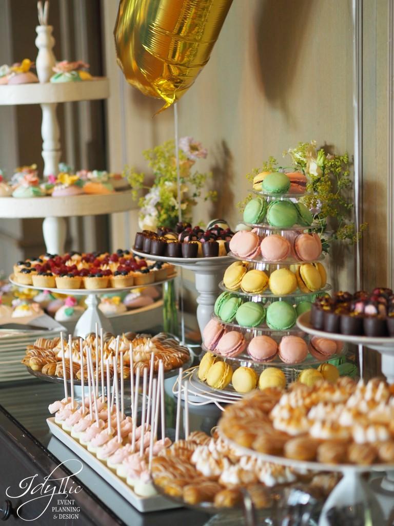 Candy bar idyllic restaurant diplomat