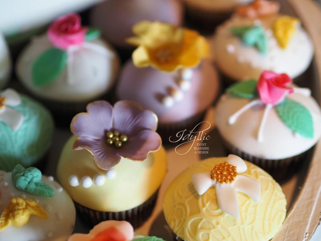Cupcakes decorate candy bar Idyllic
