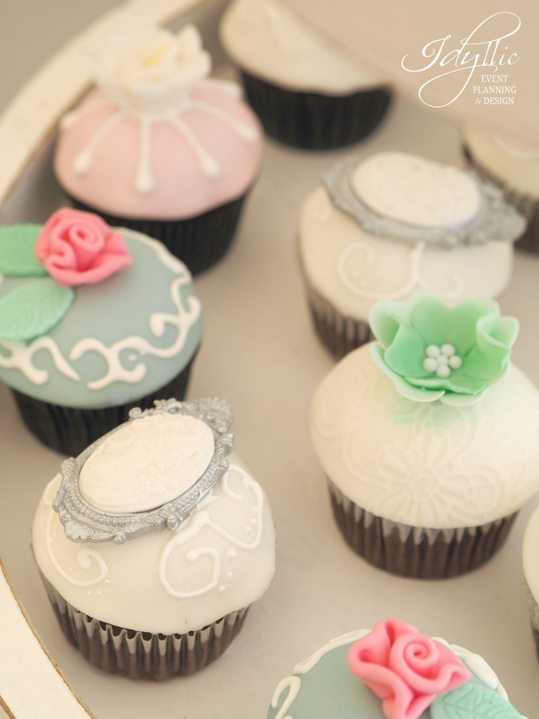 Cupcakes decorate idyllic events