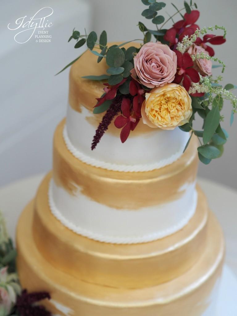 Detalii tort nunta auriu Idyllic Events
