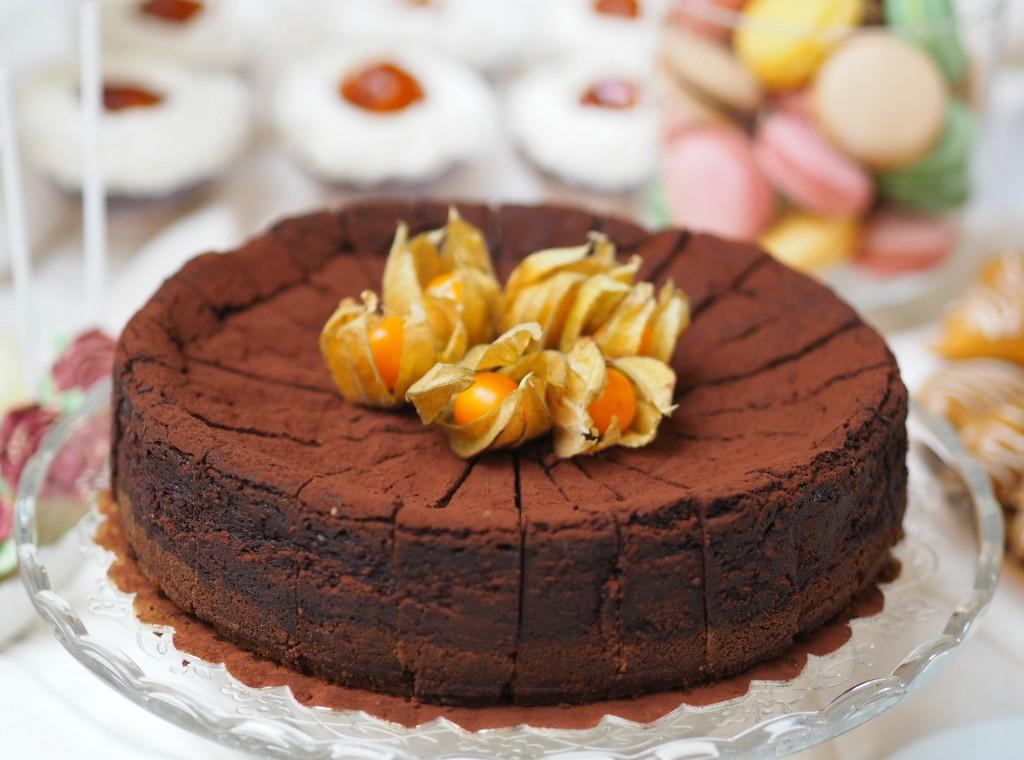 Tarta cu ciocolata si cafea Idyllic