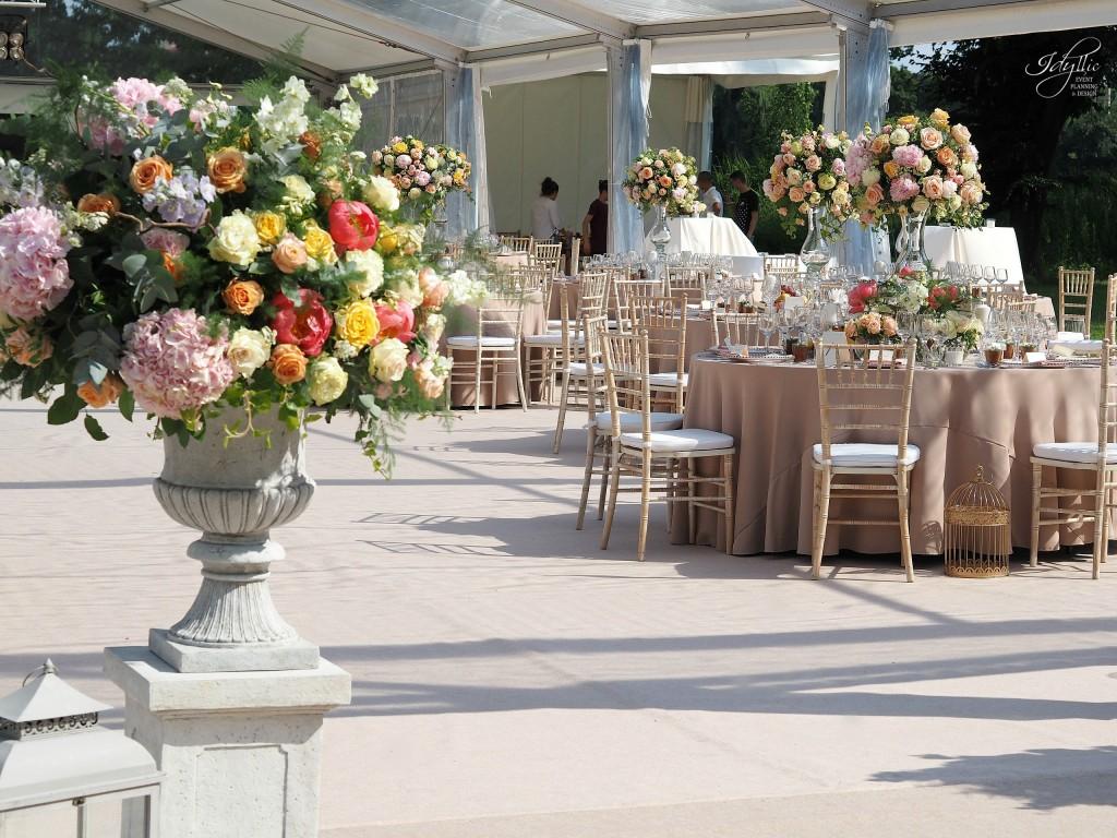 Aranjamente florale nunta palatul mogosoaia