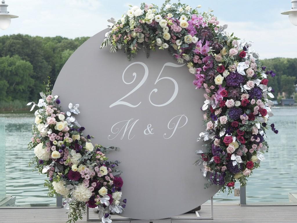Panou photo corner decorat cu flori