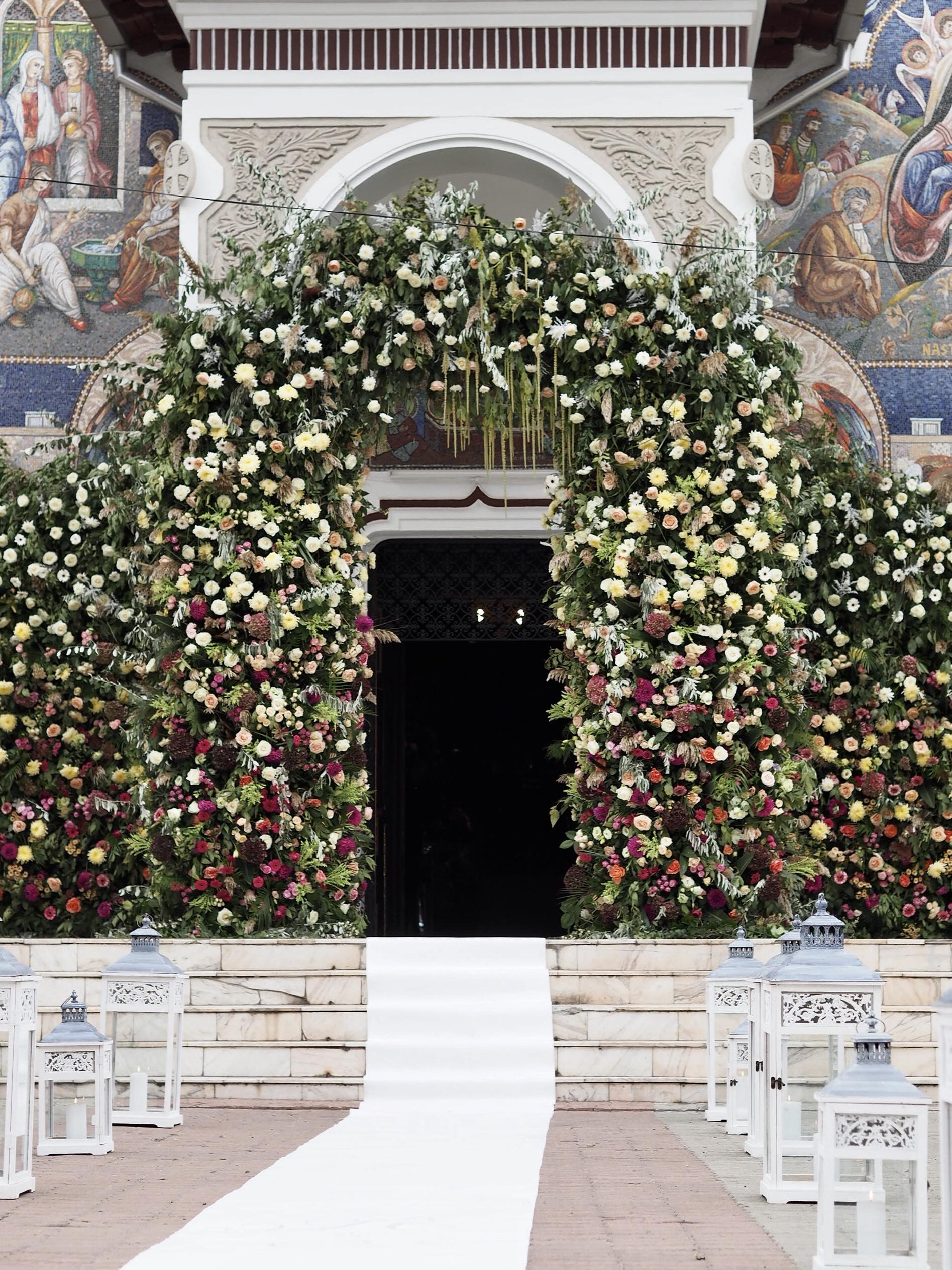 Instalatie florala biserica