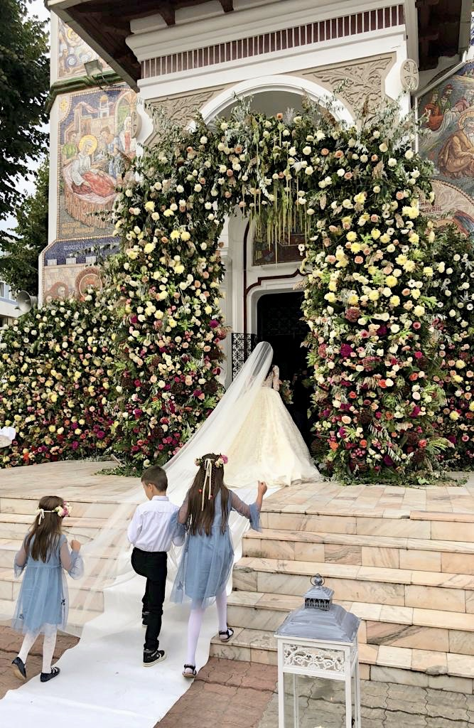 Instalatie florala biserica nunta