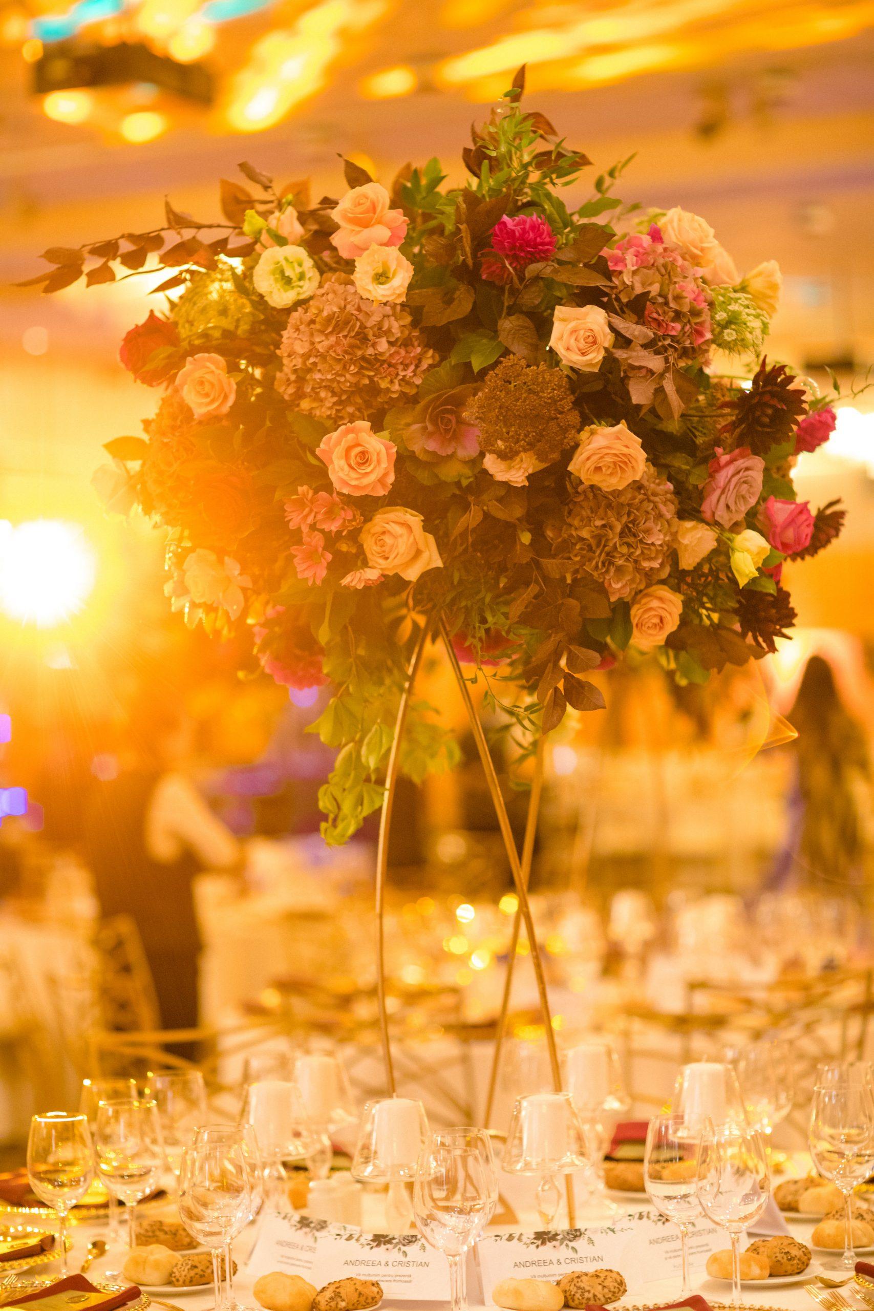 Aranjament floral nunta Crowne Plaza